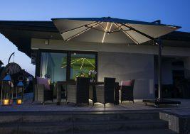 Современный зонт садовый с подсветкой 11