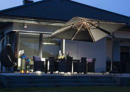 Современный зонт садовый с подсветкой 3
