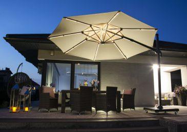 Современный зонт садовый с подсветкой 12