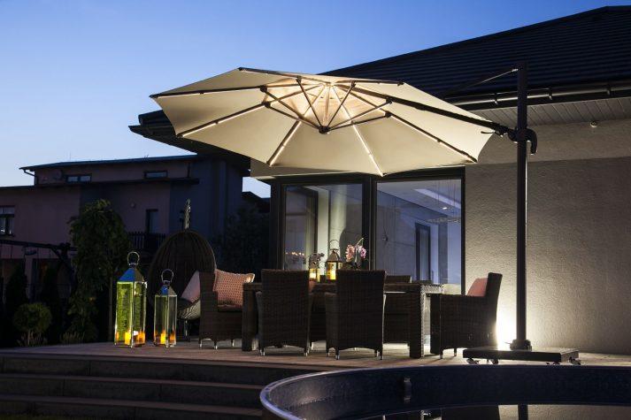 Современный зонт садовый с подсветкой 13